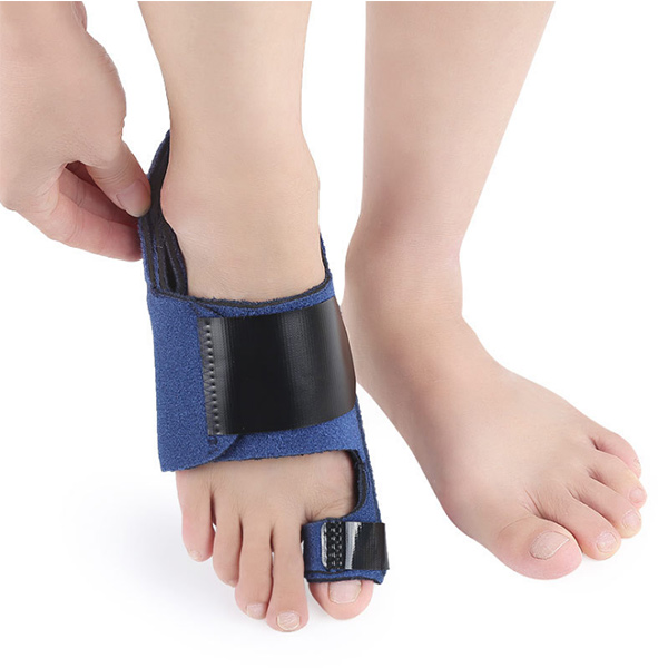 Hot Selling Health care popular plastic hallux valgus bunion toe separator bunion corrector ZG-448