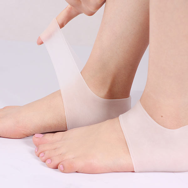 Silicone Gel Heel Sock Protector for dry cracked skin moisturising Foot Care with anti slip cushion pad ZG-403